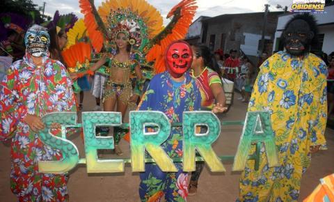 Na terceira noite do CarnaPauxis a festa foi do bloco Serra da Escama | Portal Obidense