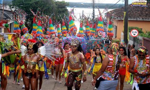 Em noite de homenagem Xupa Osso leva 35 mil foliões ao Fobódromo | Portal Obidense