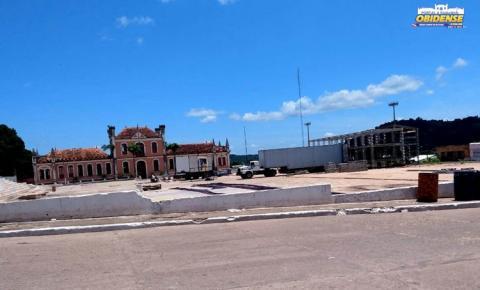 Estrutura montada para o CarnaPauxis aos poucos são retiradas da Praça da Cultura | Portal Obidense