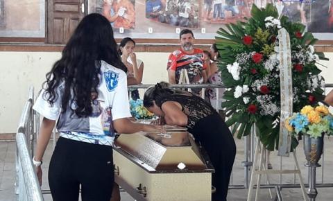 Corpo de Moisés Santarém é recebido pela comunidade Oriximinaense | Portal Obidense