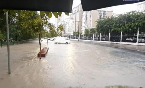 Chuva em Manaus causa alagamento e deslizamento de terra | Portal Obidense