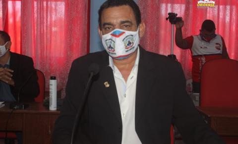 Vereador se queixa das cobranças da oposição na casa legislativa | Portal Obidense