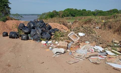 Lixo continua sendo despejado na Juracy Matos em frente à AABB em Óbidos   Portal Obidense