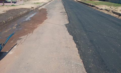 Em Óbidos rua já asfaltada recebe nova camada de asfalto | Potal Obidense