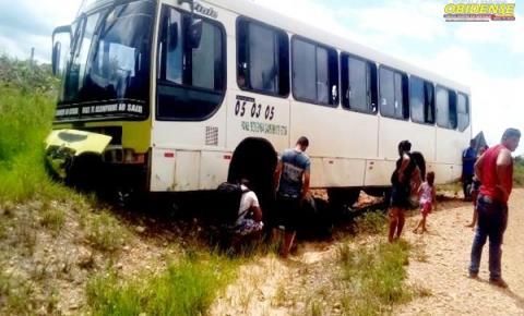 Barra de direção de Ônibus quebra na PA – 437 no município de Óbidos | Portal Obidense
