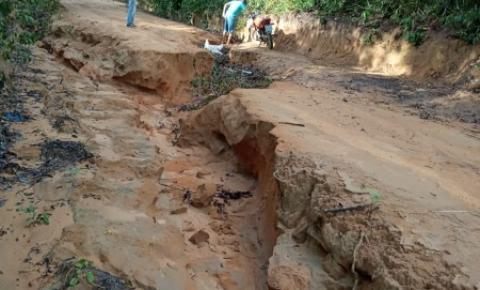 Máquinas da prefeitura recuperam ramais | Portal Obidense