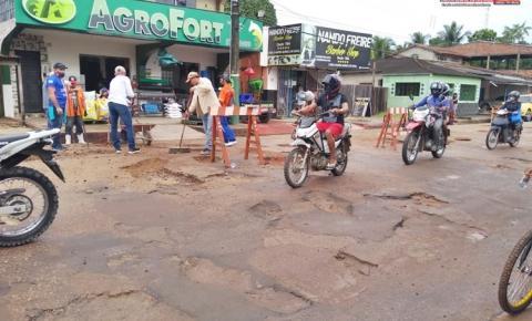 SEINFRA realiza serviço de tapa-buracos na Av. Nelson Souza | Portal Obidense