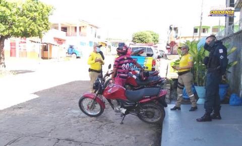Demutran e Polícia Militar, realizam orientações à condutores em Óbidos | Portal Obidense