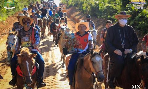 Tradicional em Óbidos, a cavalgada de Sant´Ana aconteceu pela Manhã | Portal Obidense