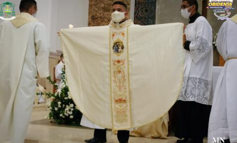 Padre Marcus Vinicius recebe ordenação presbiteral | Portal Obidense