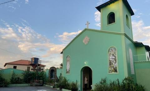 Nono dia de festividade, imagem de Sant´Ana sai da igreja de Lourdes | Portal Obidense