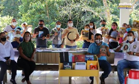 Projeto incentiva a leitura em comunidades rurais de Juruti   Portal Obidense