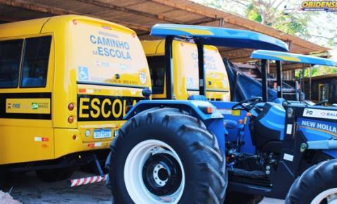 Óbidos recebe 2 tratores e 2 Ônibus escolares frutos de emendas parlamentares   Portal Obidense