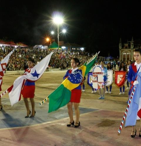 Último dia de desfile em comemoração à independência do Brasil em Óbidos teve como ponto forte a apresentação das fanfarras