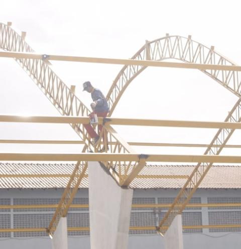 Quadra Poliesportiva da escola Irmã Firmina está em fase final de conclusão das obras