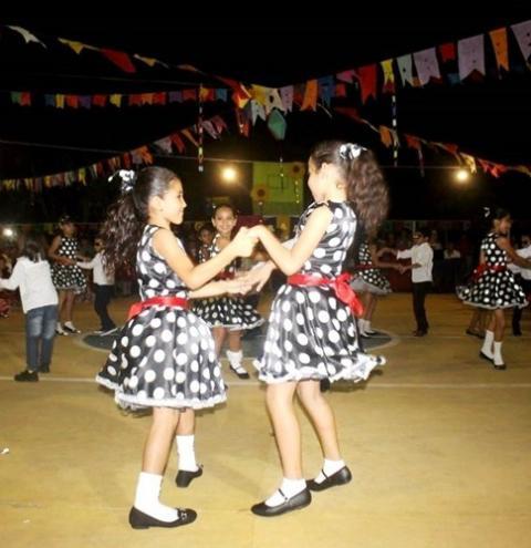 Escola Inglês de Souza realizou o Arraiá da Moça Bonita