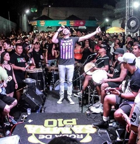Sucesso no Brasil, Uendel Pinheiro volta a sua cidade natal, onde fará show dia 20 no Clube Mariano