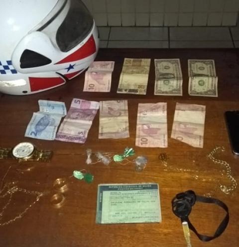 Dois homens presos com drogas pelo Moto Patrulhamento | Portal Obidense