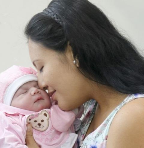 Alice é a primeira bebê a nascer em 2020 na Santa Casa do Pará | Portal Obidense