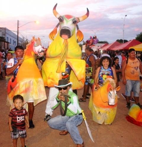 Bloco Pai da Pinga lança ao publico e foliões sua musica para o carnaval de 2020   Portal Obidense