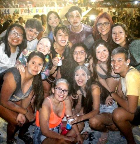Segundo domingo de Pré-Carnaval em Óbidos, arrastão saiu do reduto do bloco Mirim | Portal Obidense