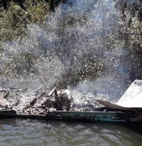 Botija de gás explode e destrói embarcação em Oriximiná | Portal Obidense
