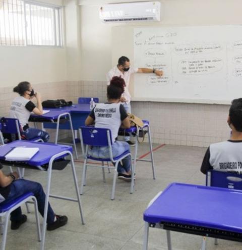 Alunos da rede estadual retornam às aulas presenciais de forma escalonada   Portal Obidense